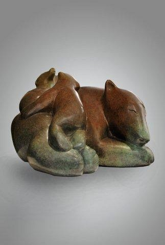 Anghik-Mother-bear-with-playing-cubs-BRONZE